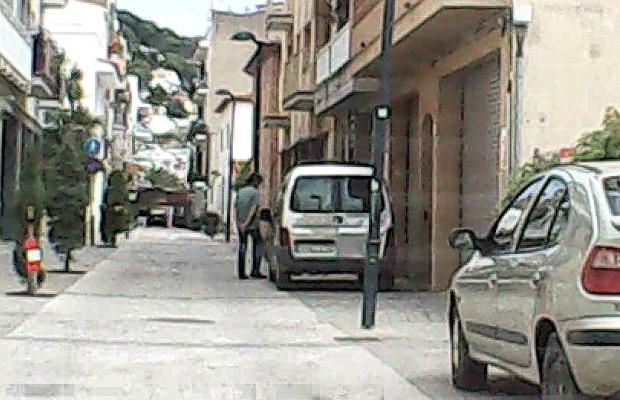 Estartit denuncia voreres lliures carrer port